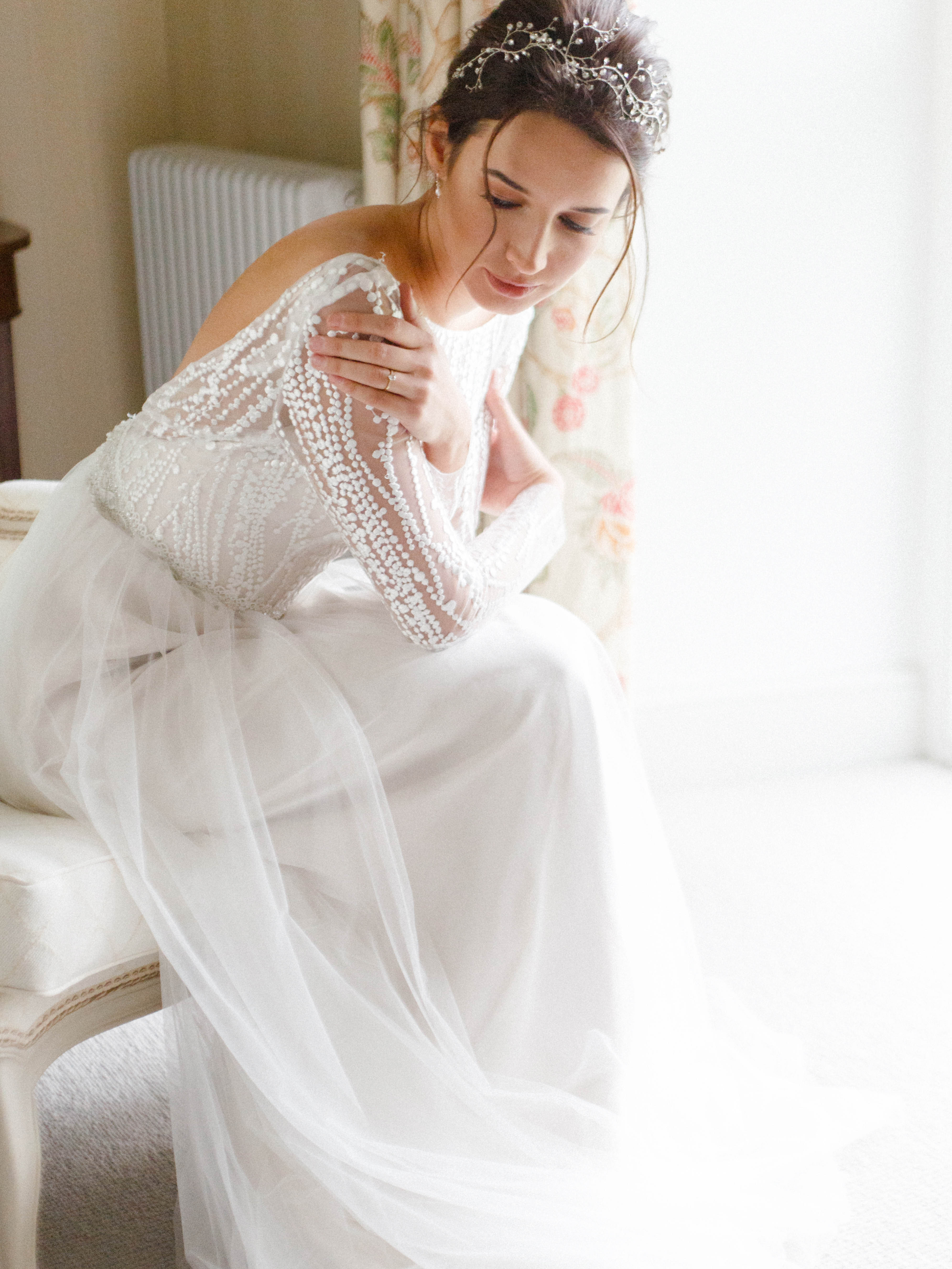 gorgeous-soft-wedding-makeup-hair-and-bridal-gown-in-natural-light-London
