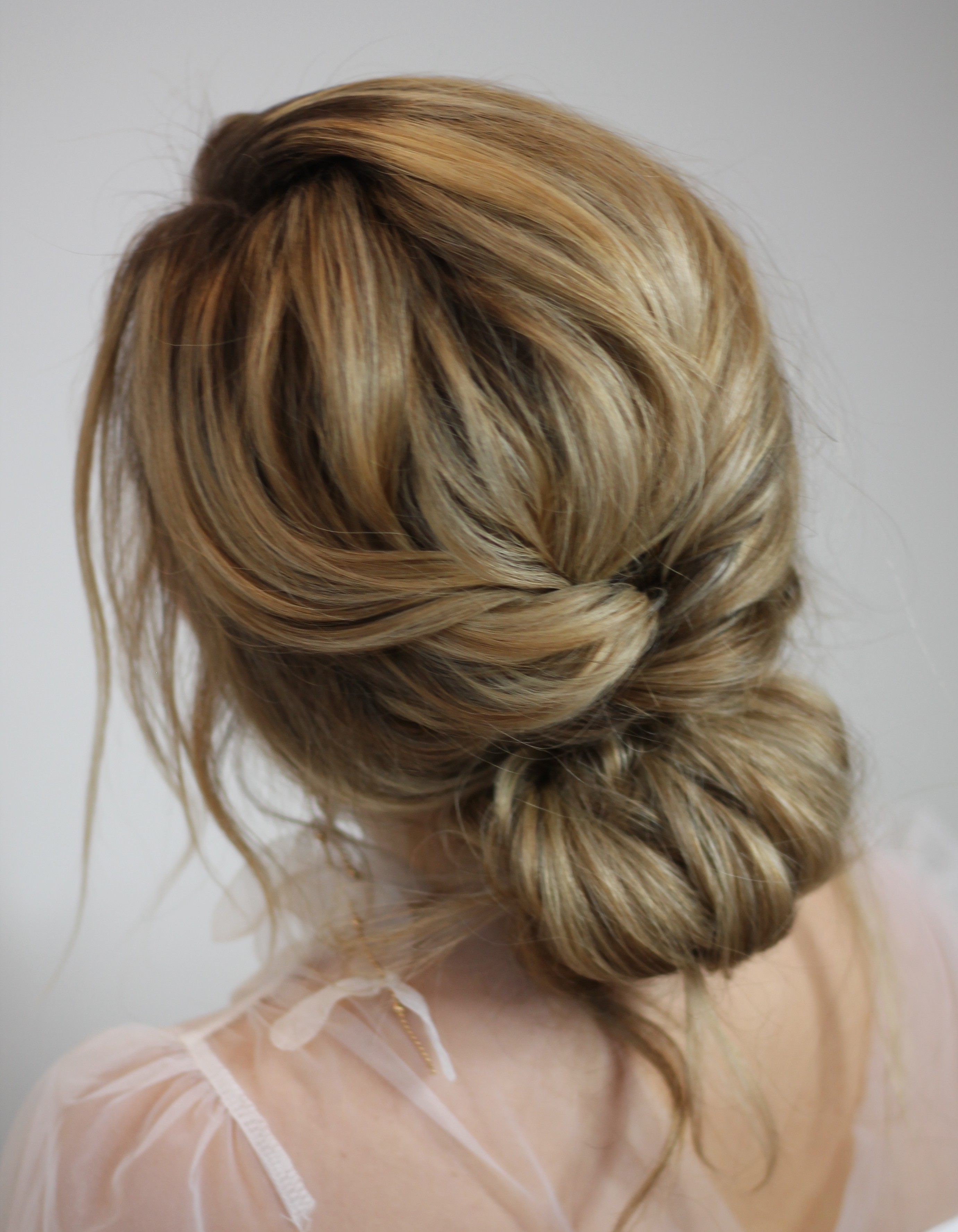 romantic-boho-bridal-hair-style-in-london