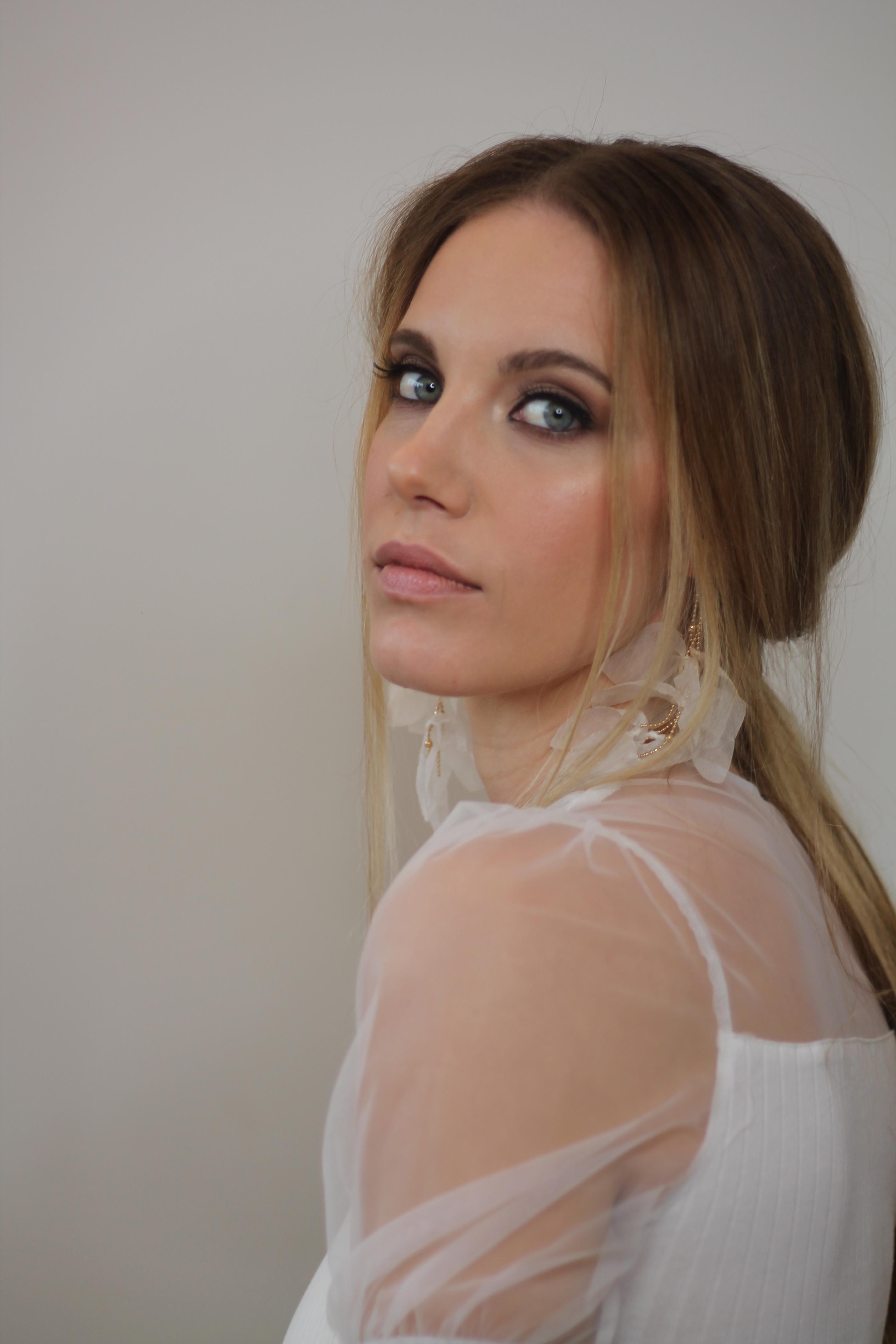 romantic-soft-bridal-hair-and-makeup-look-london