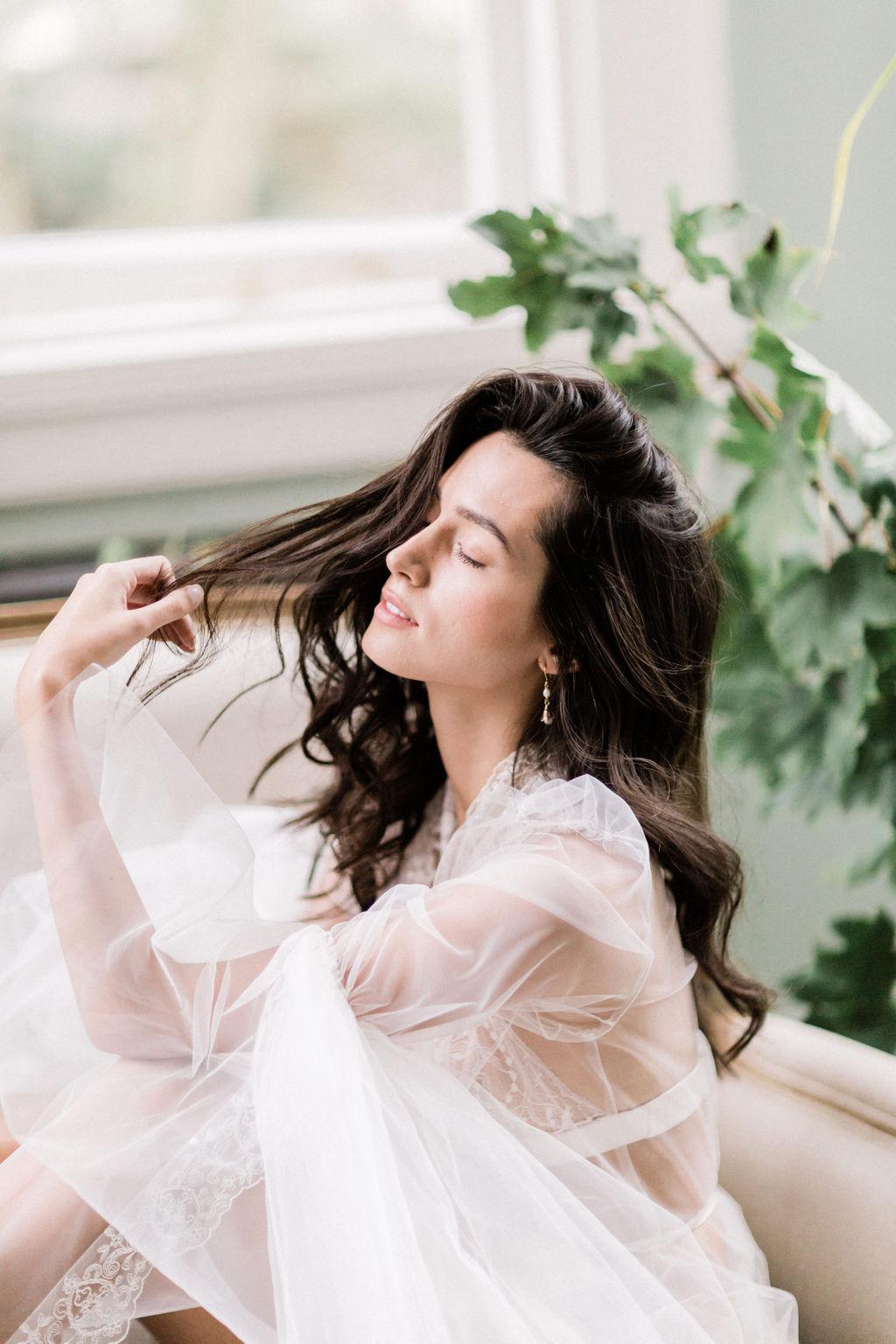 inspirational-bridal-image-long-wavy-hair