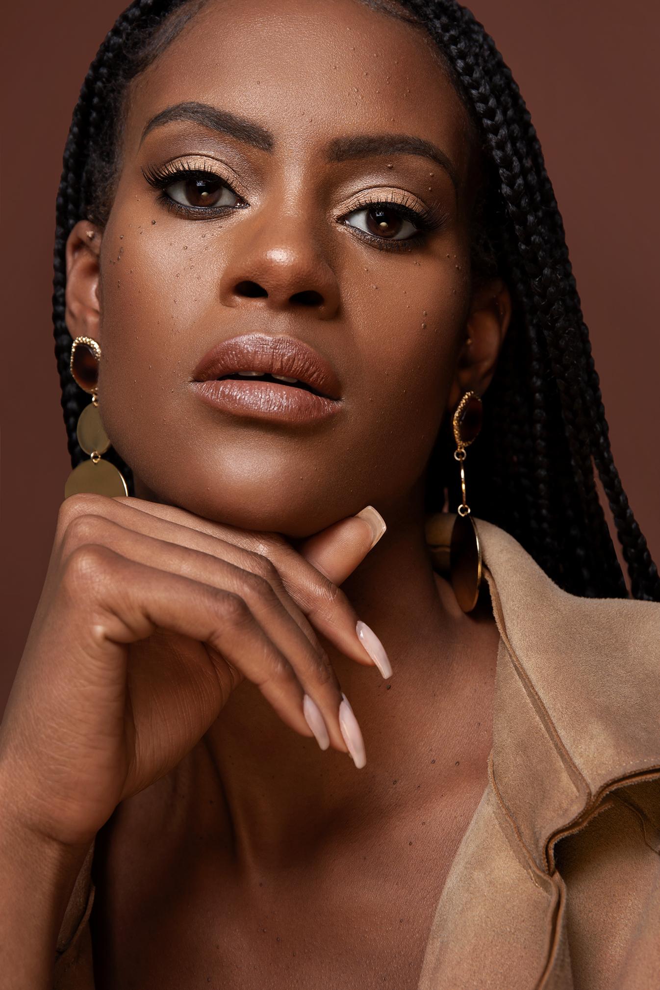 close-up-natural-makeup-black-skin