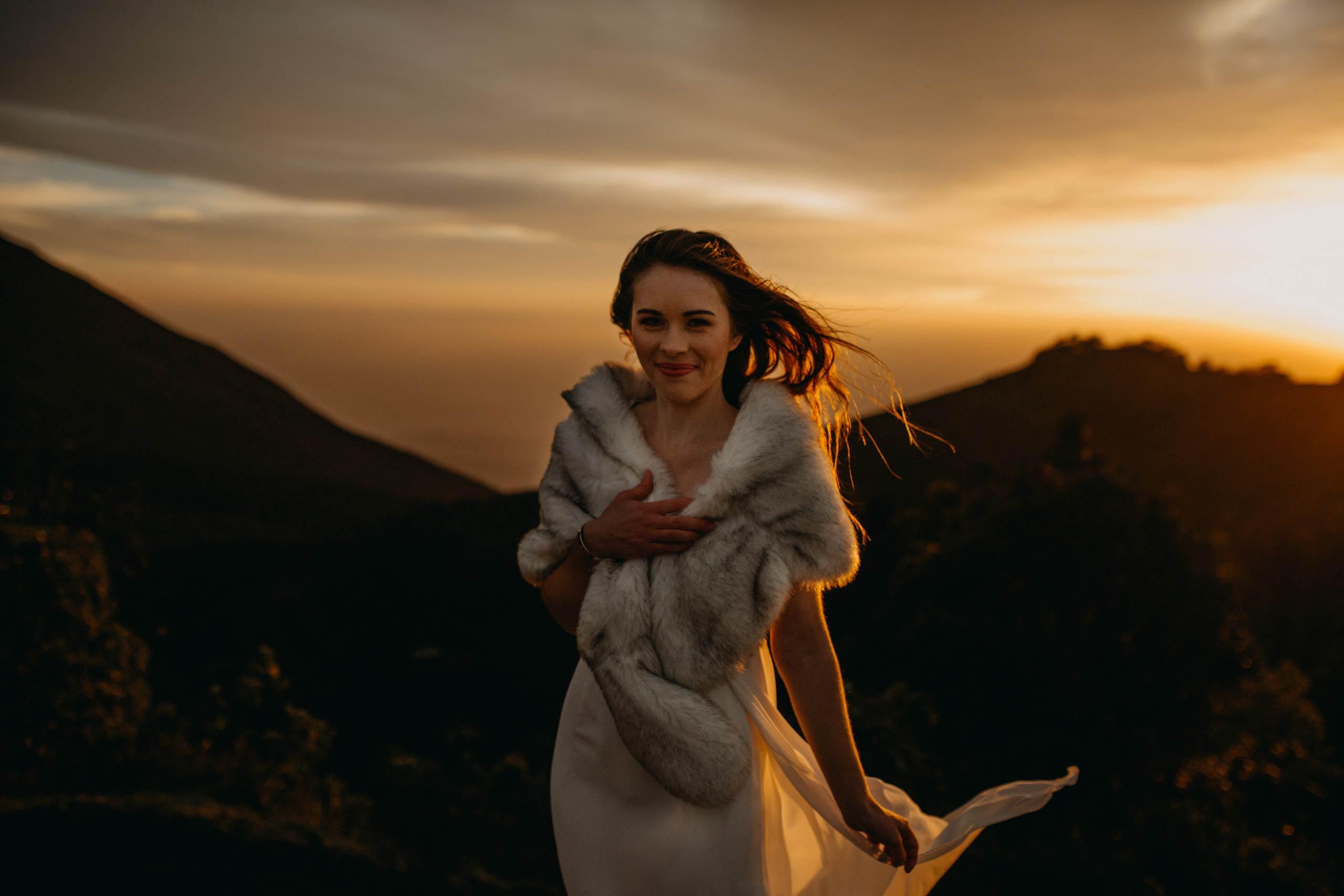 Bruid-op-een-berg-elopement