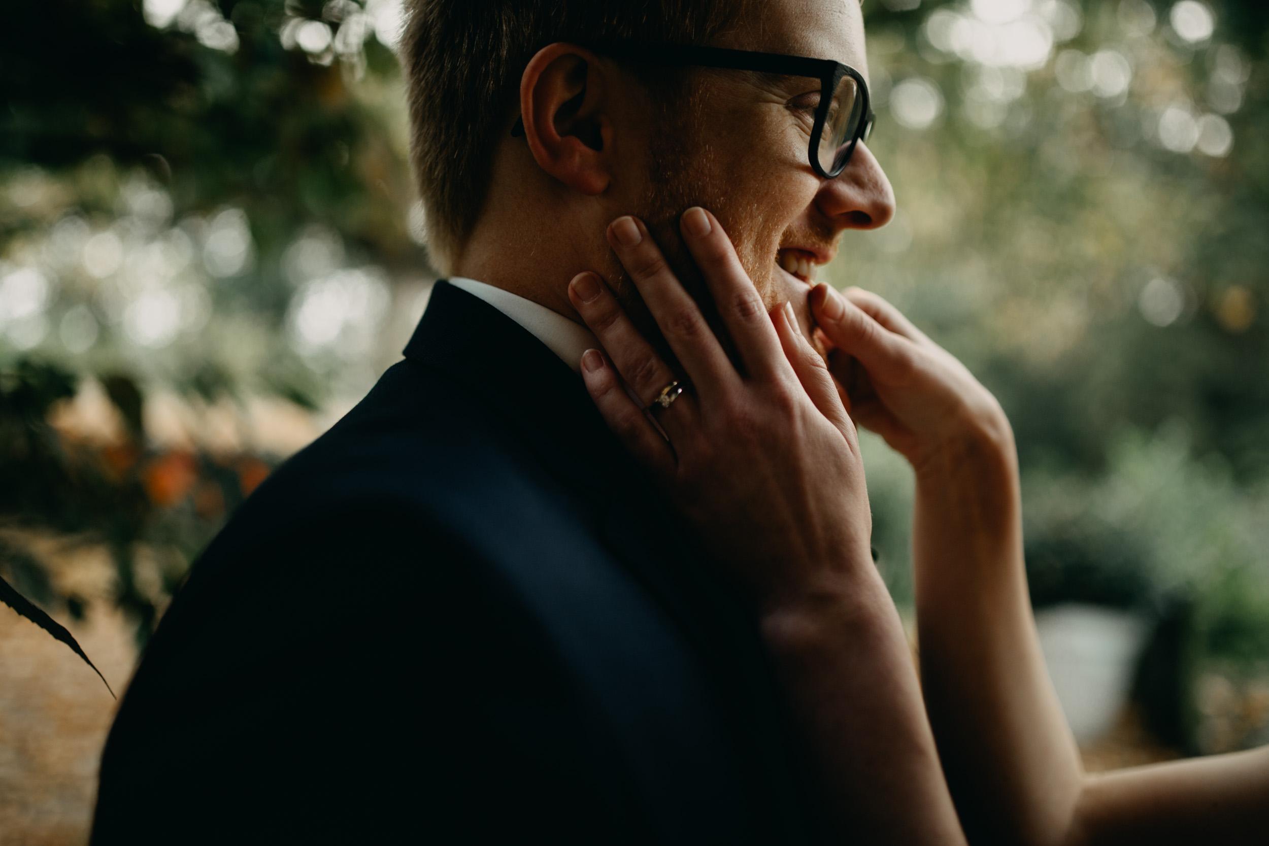 herfst-bruiloft-slot-doddendael-trouwen-bruidegom