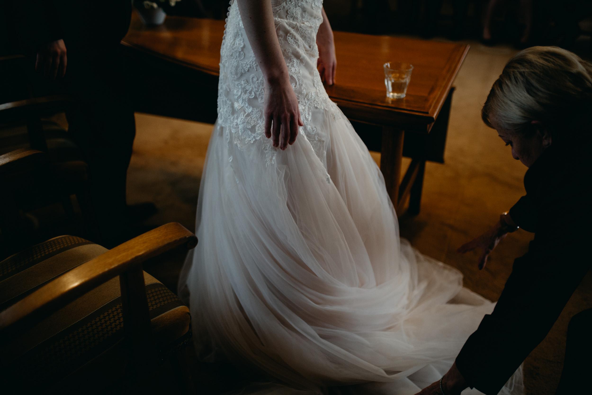 Trouwjurk-nijmegen-trouwfotograaf-Mario-Ruiz