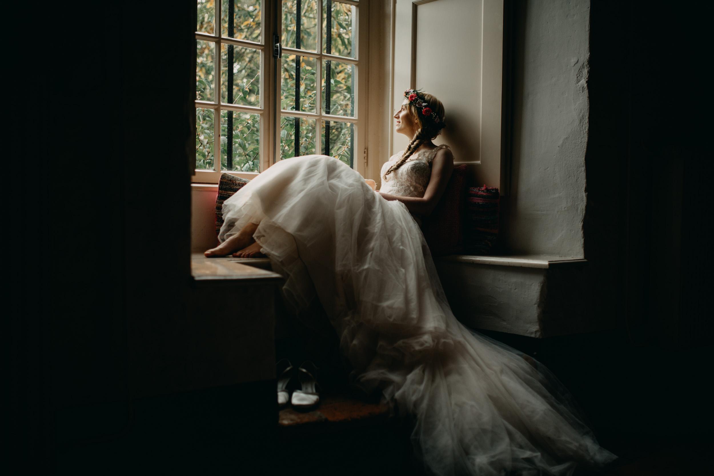 herfst-bruiloft-slot-doddendael-raamlicht-kunst