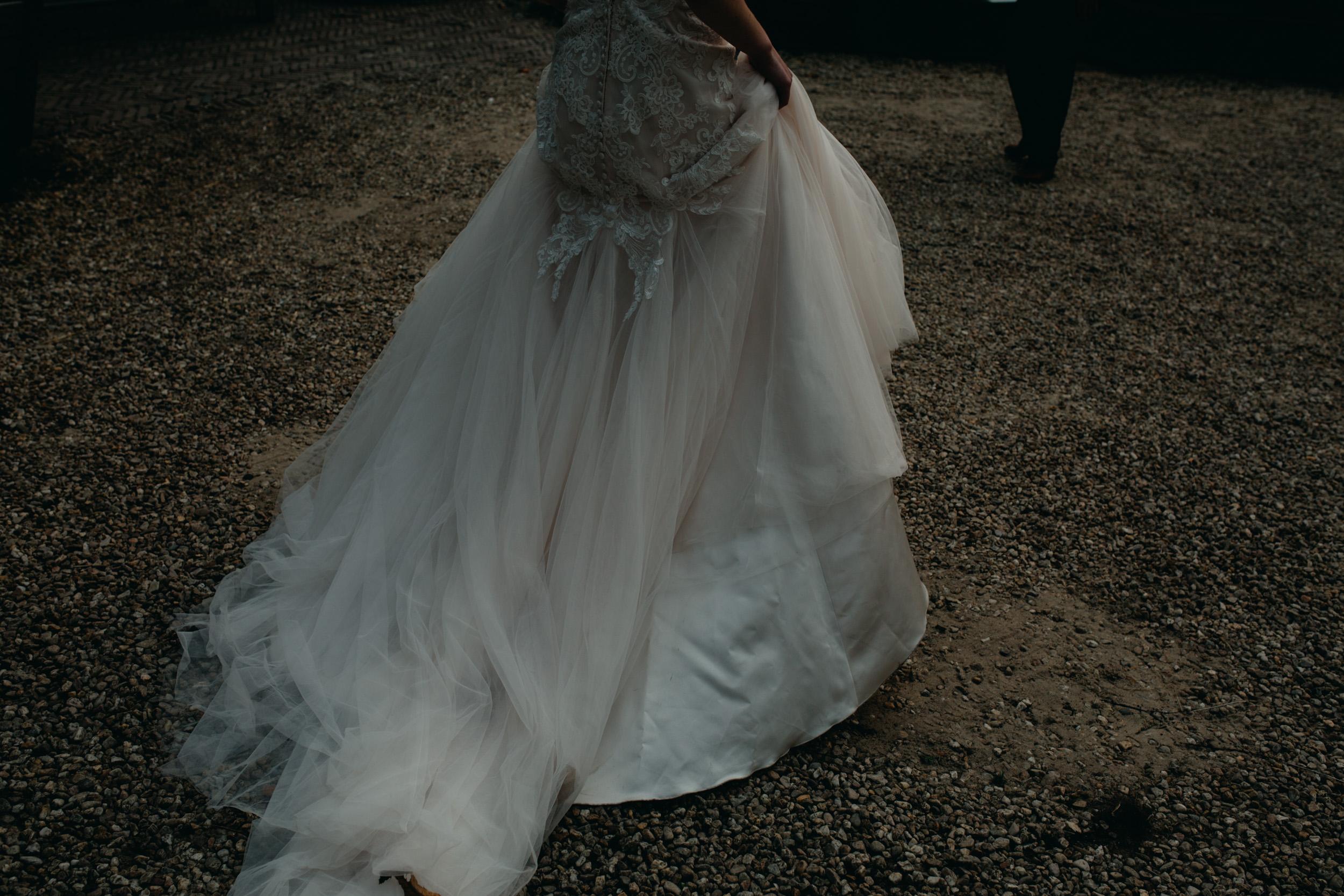 Trouwjurk-herfst-bruiloft-slot-doddendael-trouwen