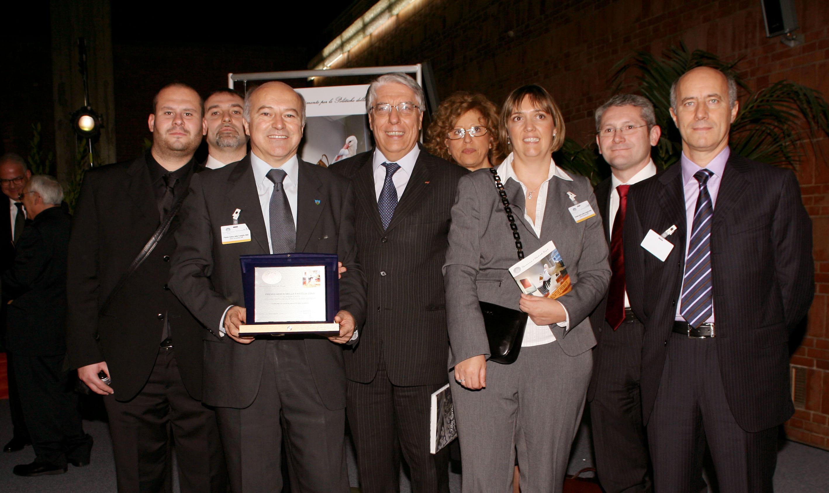 Foto di gruppo per il premio Amico della Famiglia