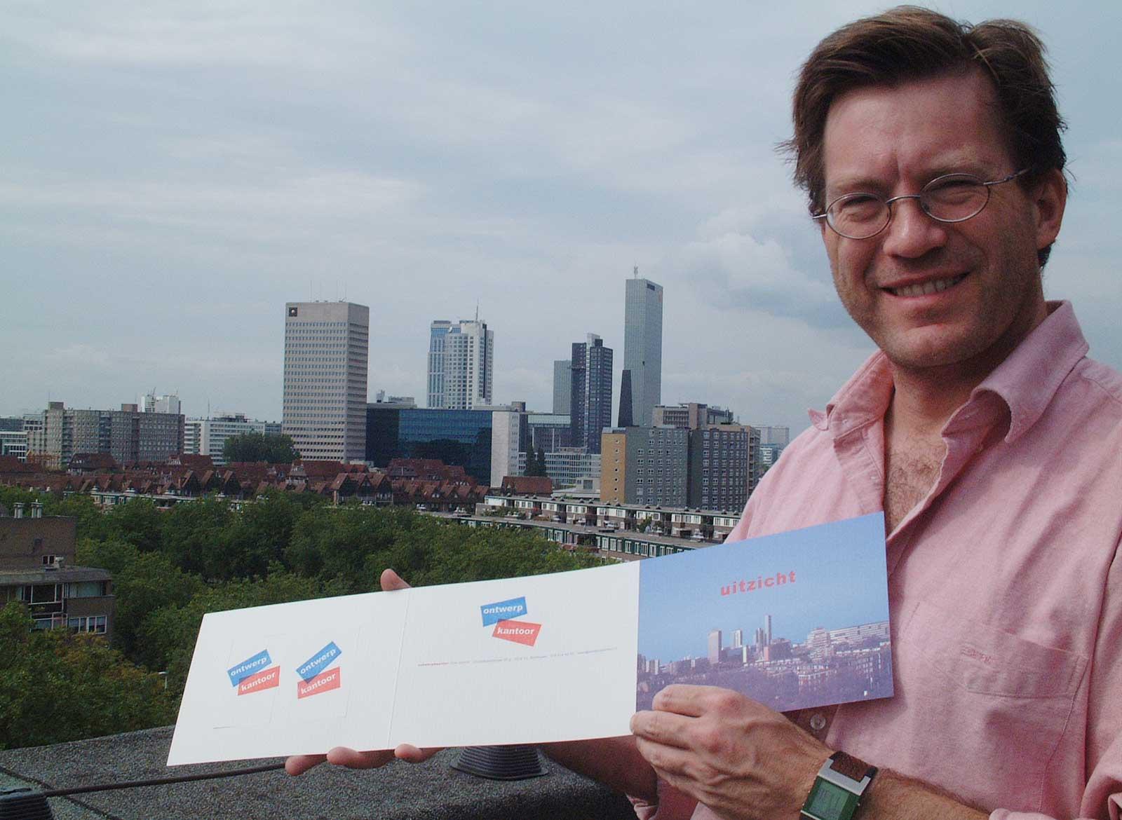 Godfried op het dakterras van Ontwerpkantoor, juli 2003
