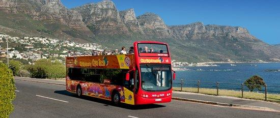 Hop-on-Hop-off-bus-Cape-Town