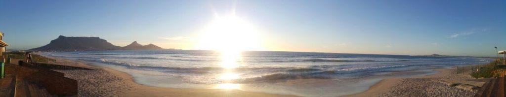 Sunset-over-Table-Mountain-from-Milnerton-beach