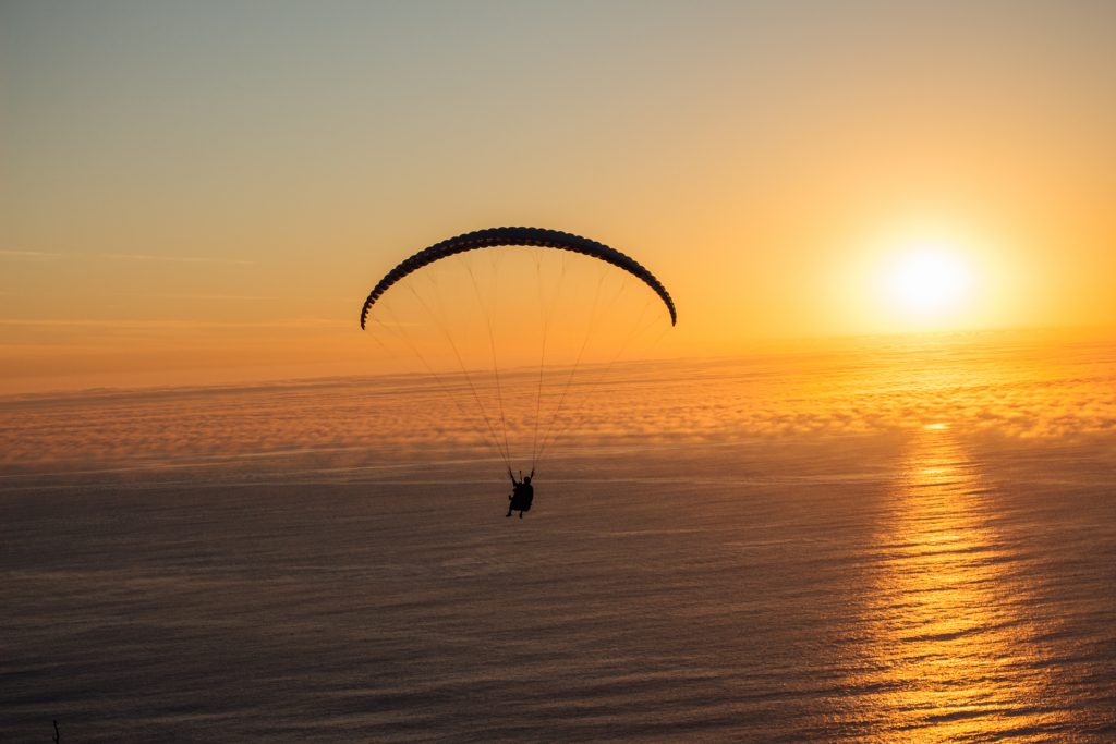 Sunset-paragliding-from-the-top-of-Signal-Hill-Cape-Town