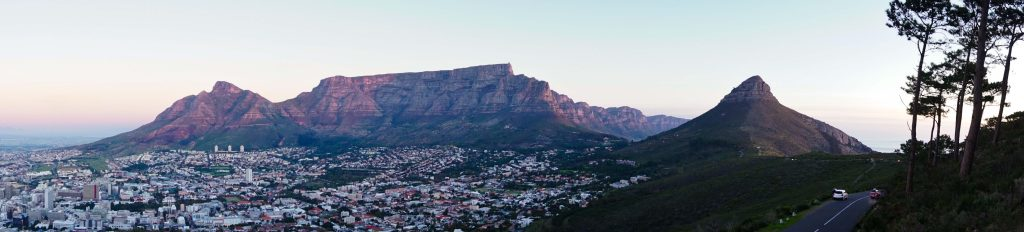 The-Iconic-Table-Mountain-and-the-city-bowl