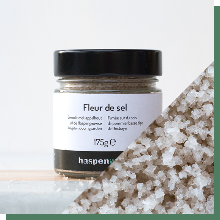 Smoked fleur de sel 175G - 100% natural. Traditionally hand-harvested on Île de Noirmoutier (France). Artisan cold smoked with apple wood from the low strain apple trees in Haspengouw.