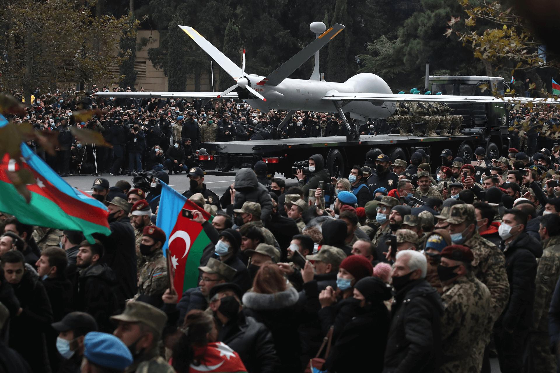 """מל""""ט מתוצרת ישראל במצעד הניצחון של אזרבייג'ן על ארמניה בדצמבר האחרון. צילום: רויטרס"""