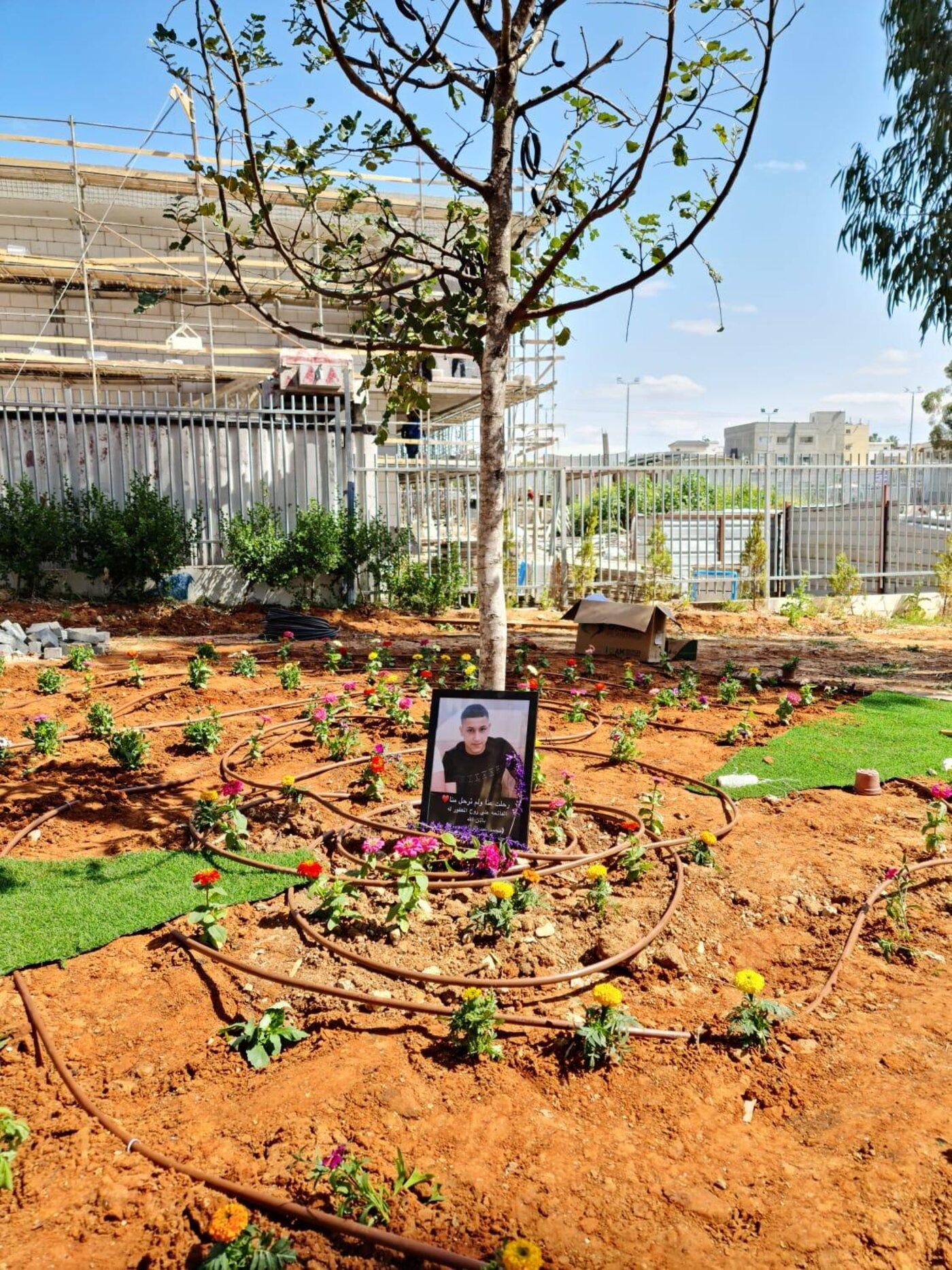הנצחה לזכרו של מוחמד עדס בבית הספר התיכון שבו למד בג'לג'וליה. צילום: ראמי גאנם, מנהל בית הספר