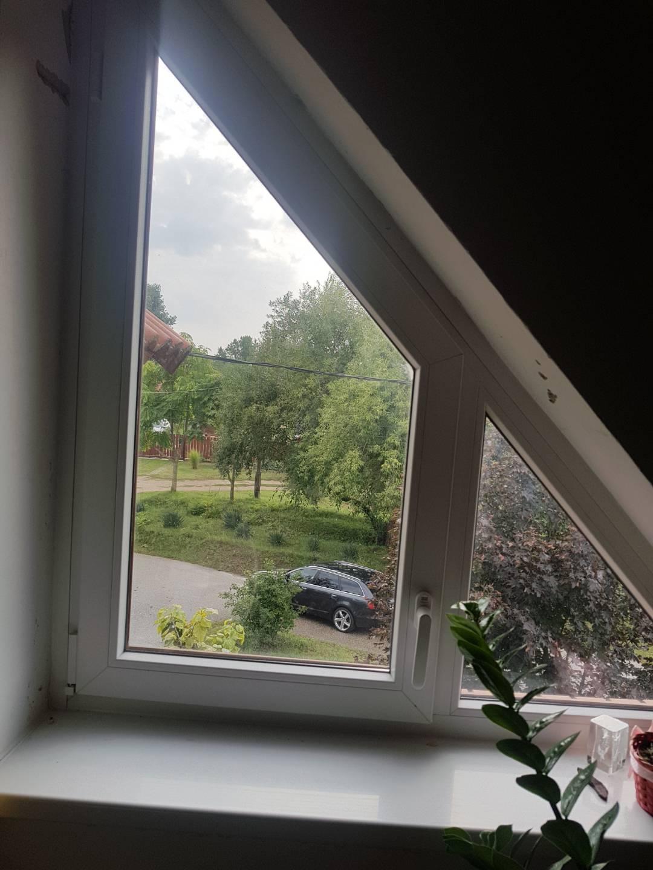 Padlás ablak 3