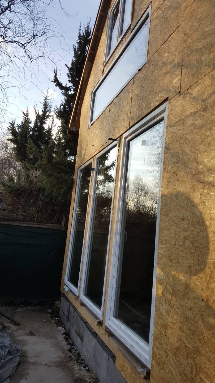 Új ablakok a családi házban