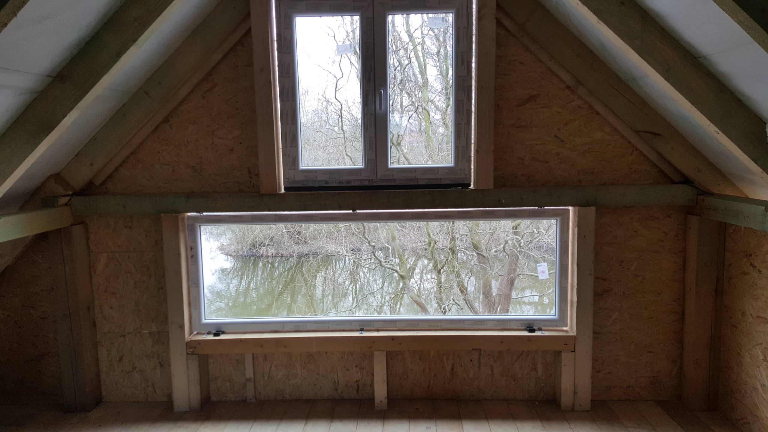 Padlás ablak