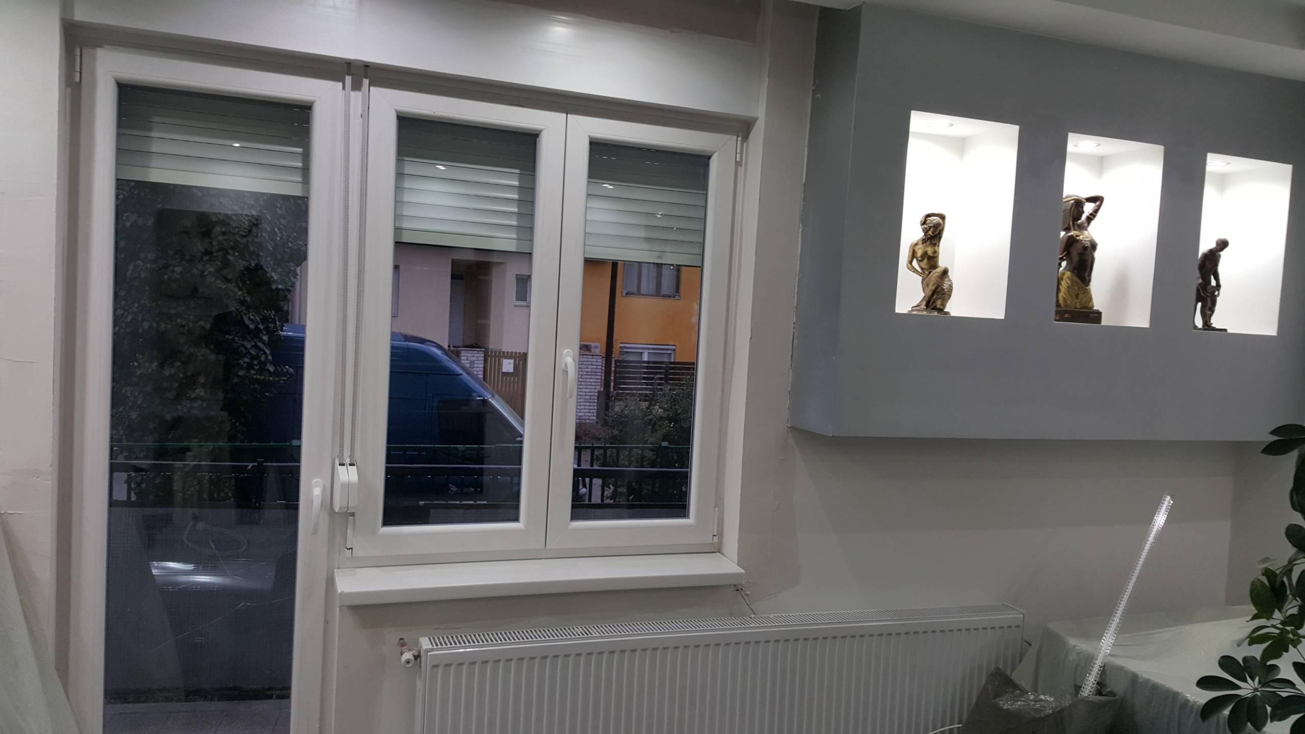 Erkélyajtó ablakokkal 2