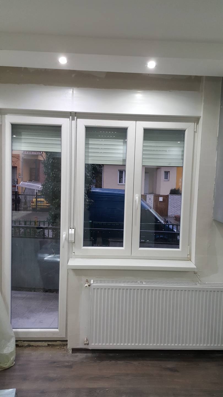 Erkélyajtó ablakokkal