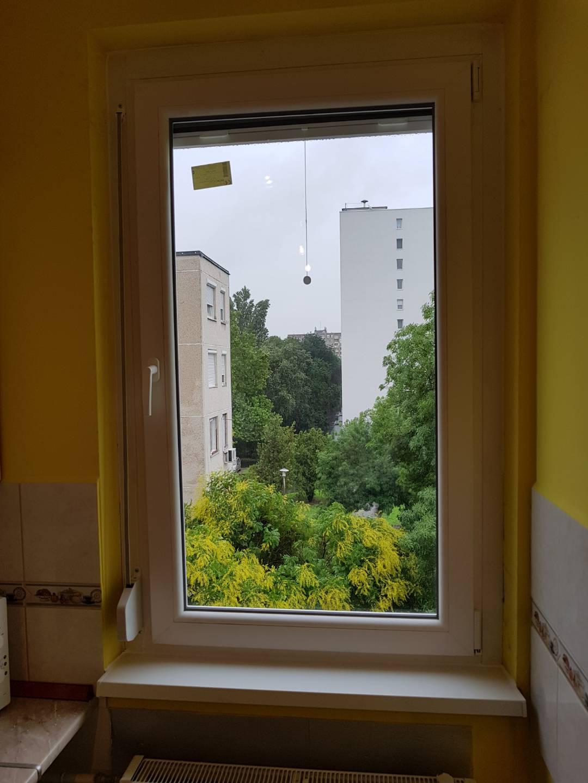 Modernizált panel ablak