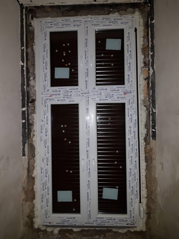 Tégla lakás ablakbeépítés