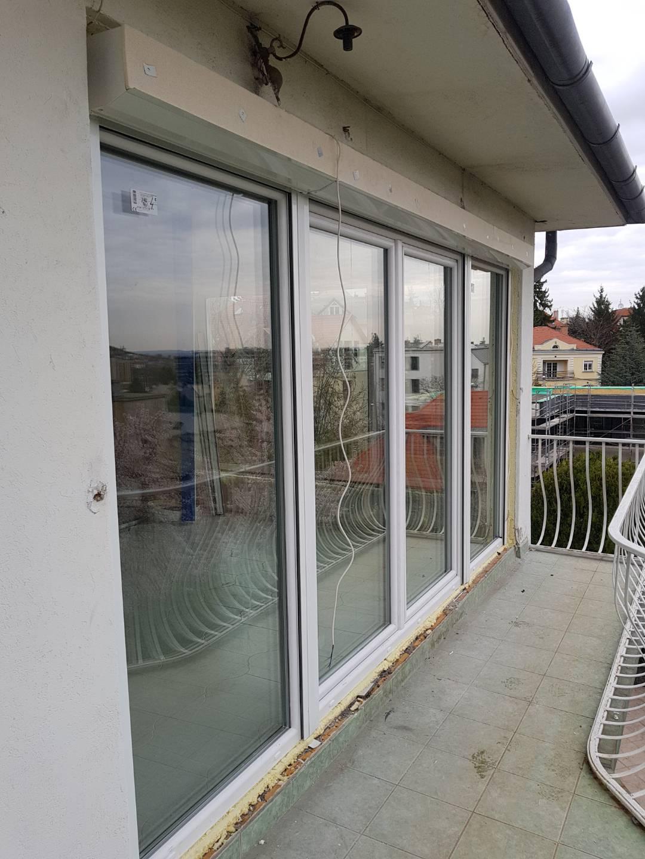 Kicserélt ablakok