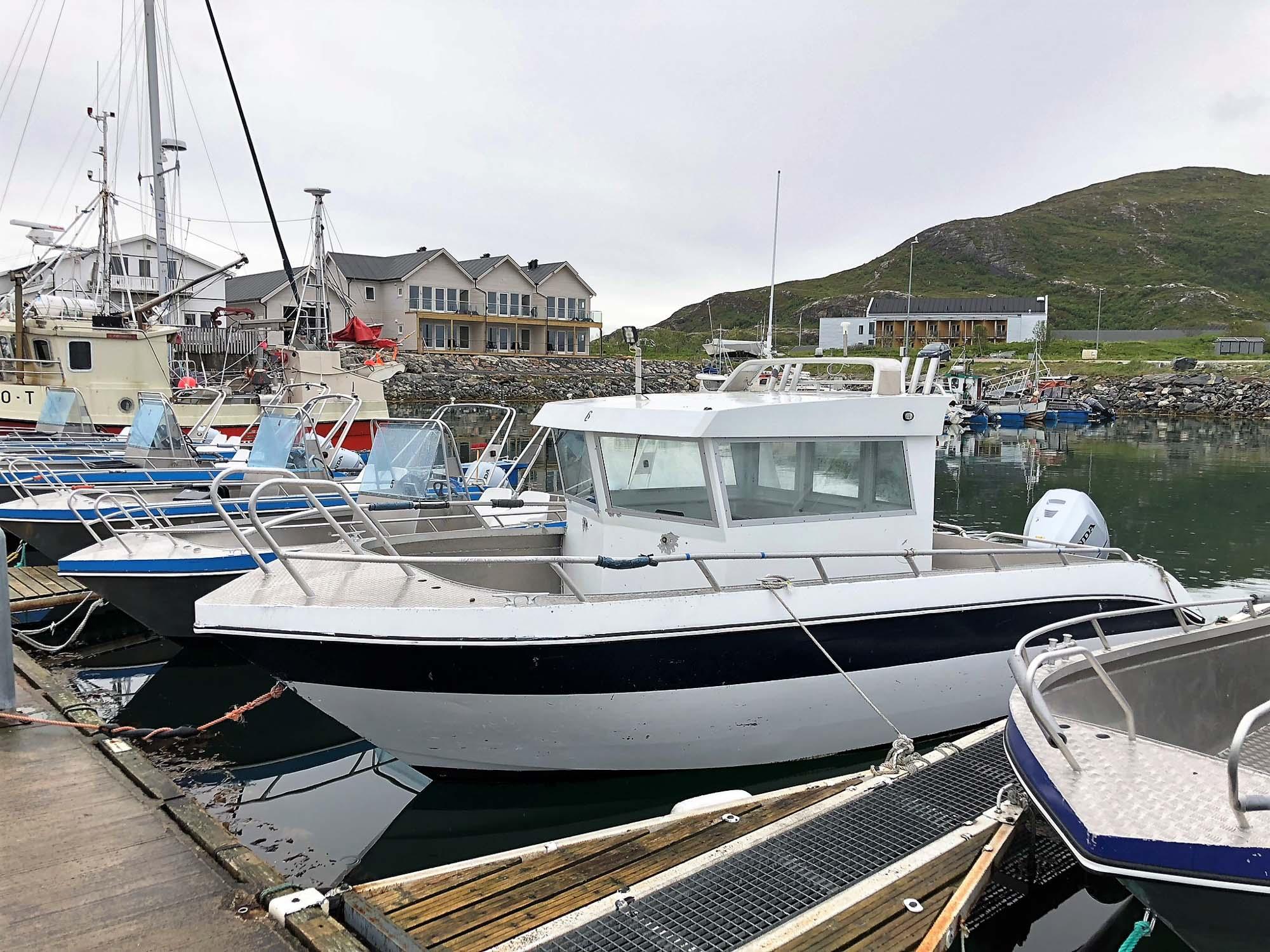 Koselig båthavn på Sommarøy