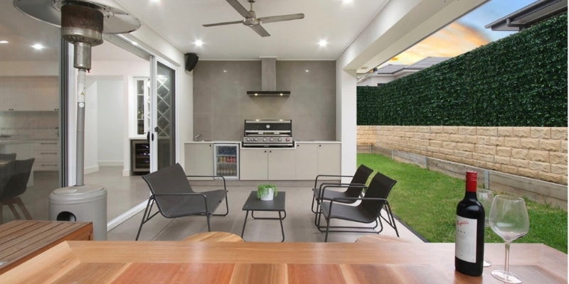 Outdoor built in bbq for entertainment