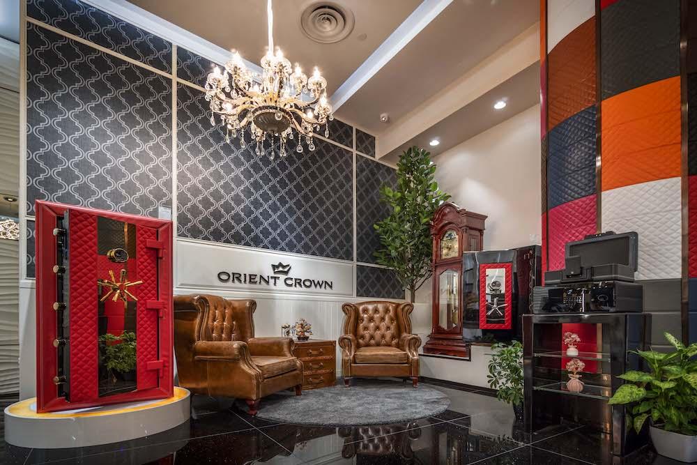 Orient Crown @ Jewel Changi
