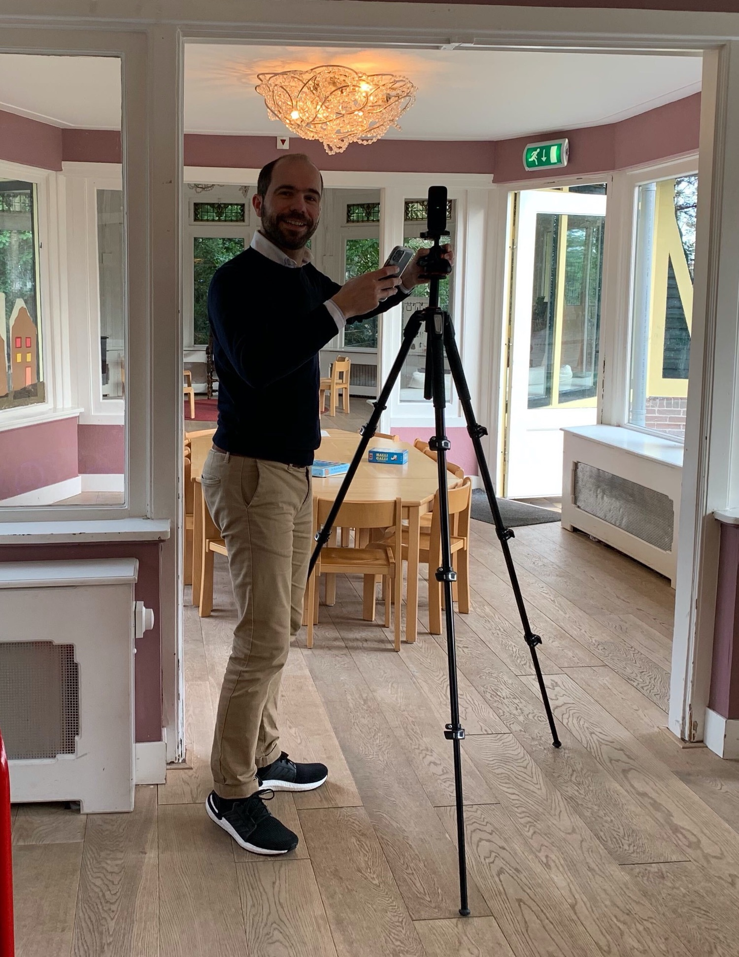 Wouter takes 360 degree photo at a Procademy customer