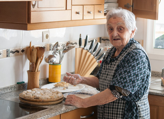 caregiving tips for cooking with people living with Alzheimer's disease