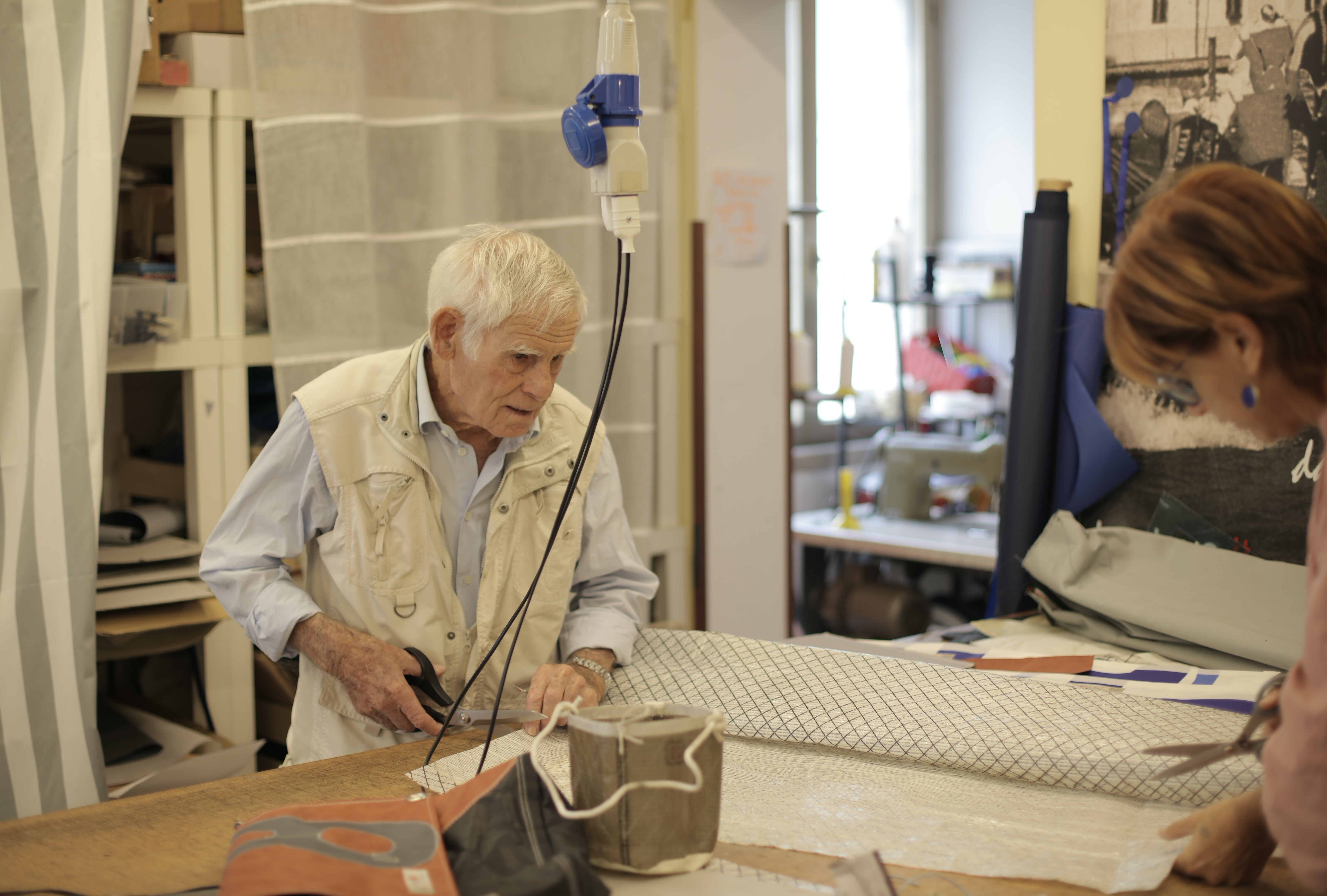 Dementia & The Arts: 7 Benefits to Crafting With Your Residents