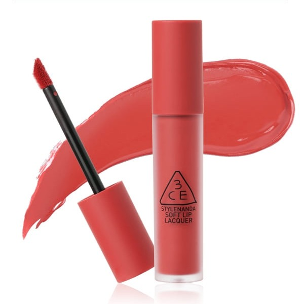 3CE Soft Lip Lacquer có độ mềm mượt và mịn màng
