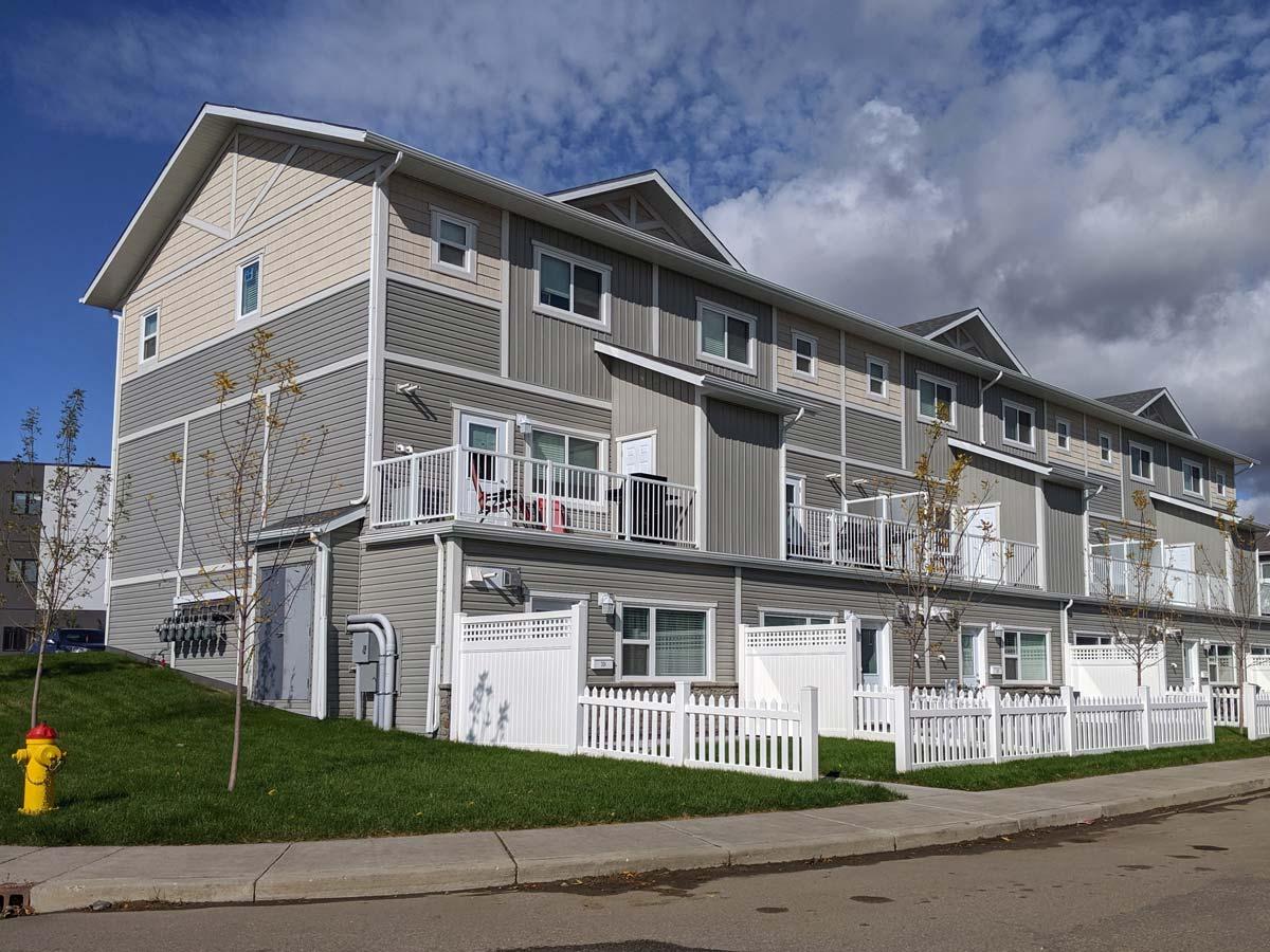 Urban Flats II townhouses in Saskatoon, Sask.