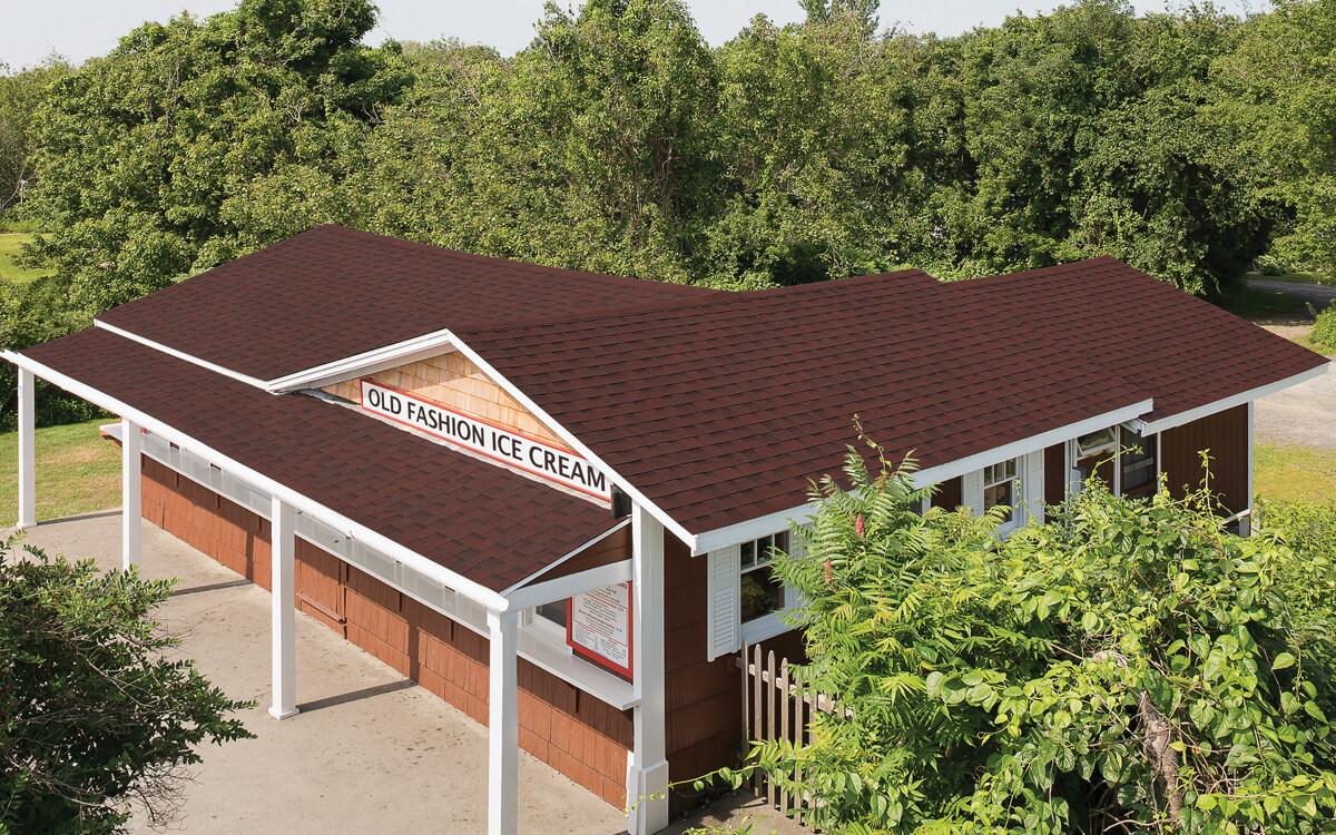 Ejemplo de Teja Asfaltica Cambridge Riviera Red utilizado en el techo (3)
