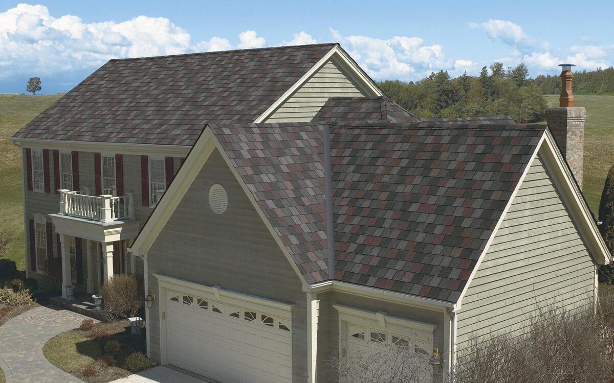 Ejemplo de Teja Asfaltica Crowne Slate Royal Granite utilizado en el techo (3)