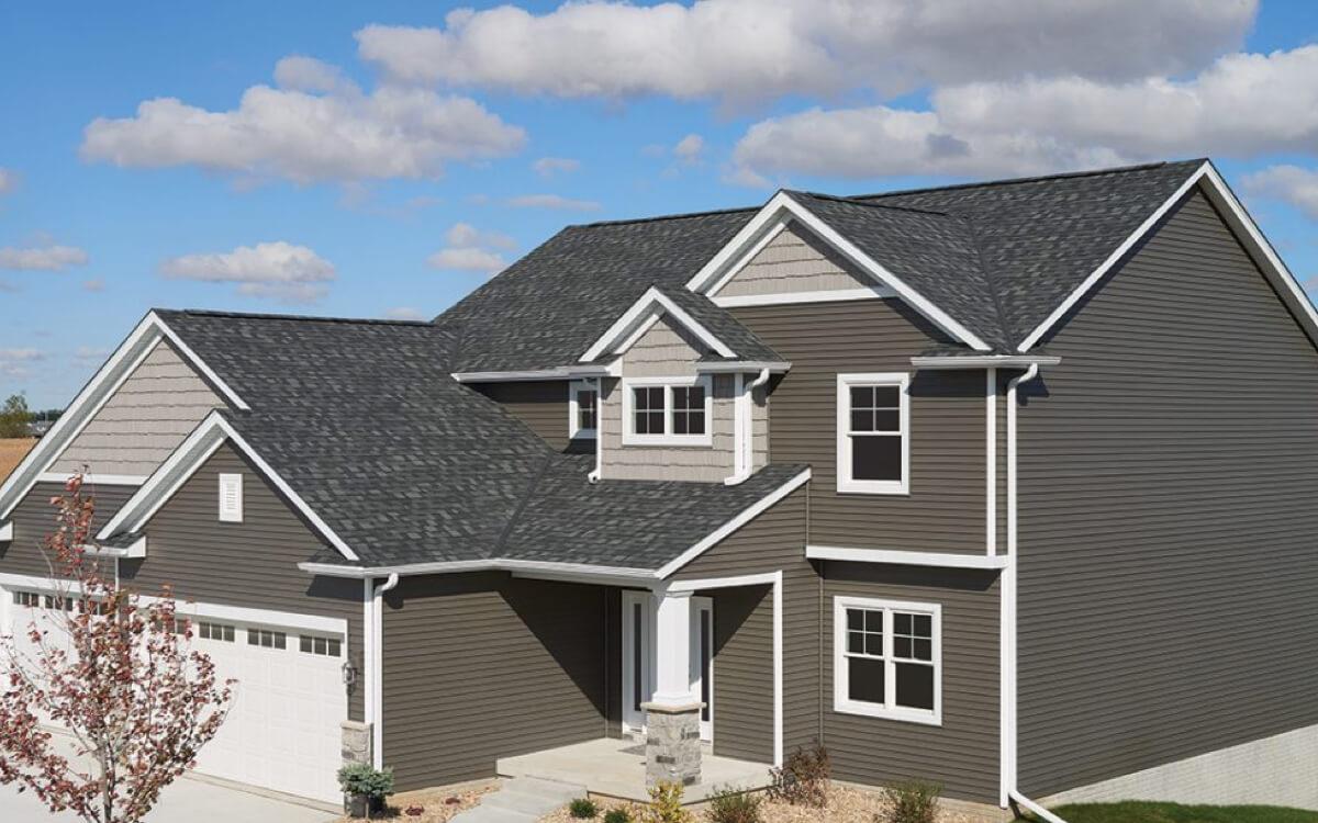 Ejemplo de Teja Asfaltica Royal Estate Mountain Slate utilizado en el techo