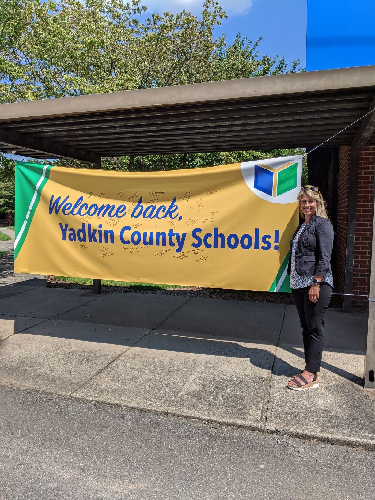 Welcome Back Banner at Jonesville Elementary