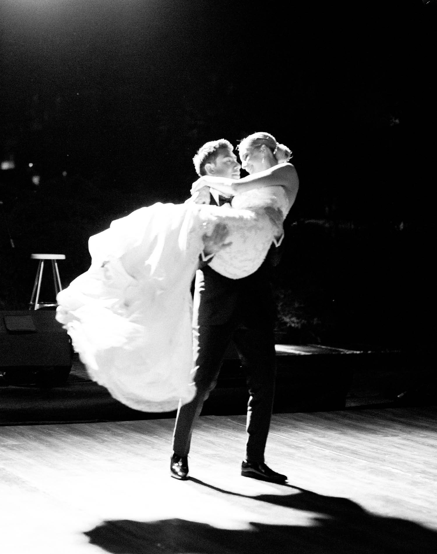 Elopement Wedding Photograher - Flamm Bodrum Wedding First Dance
