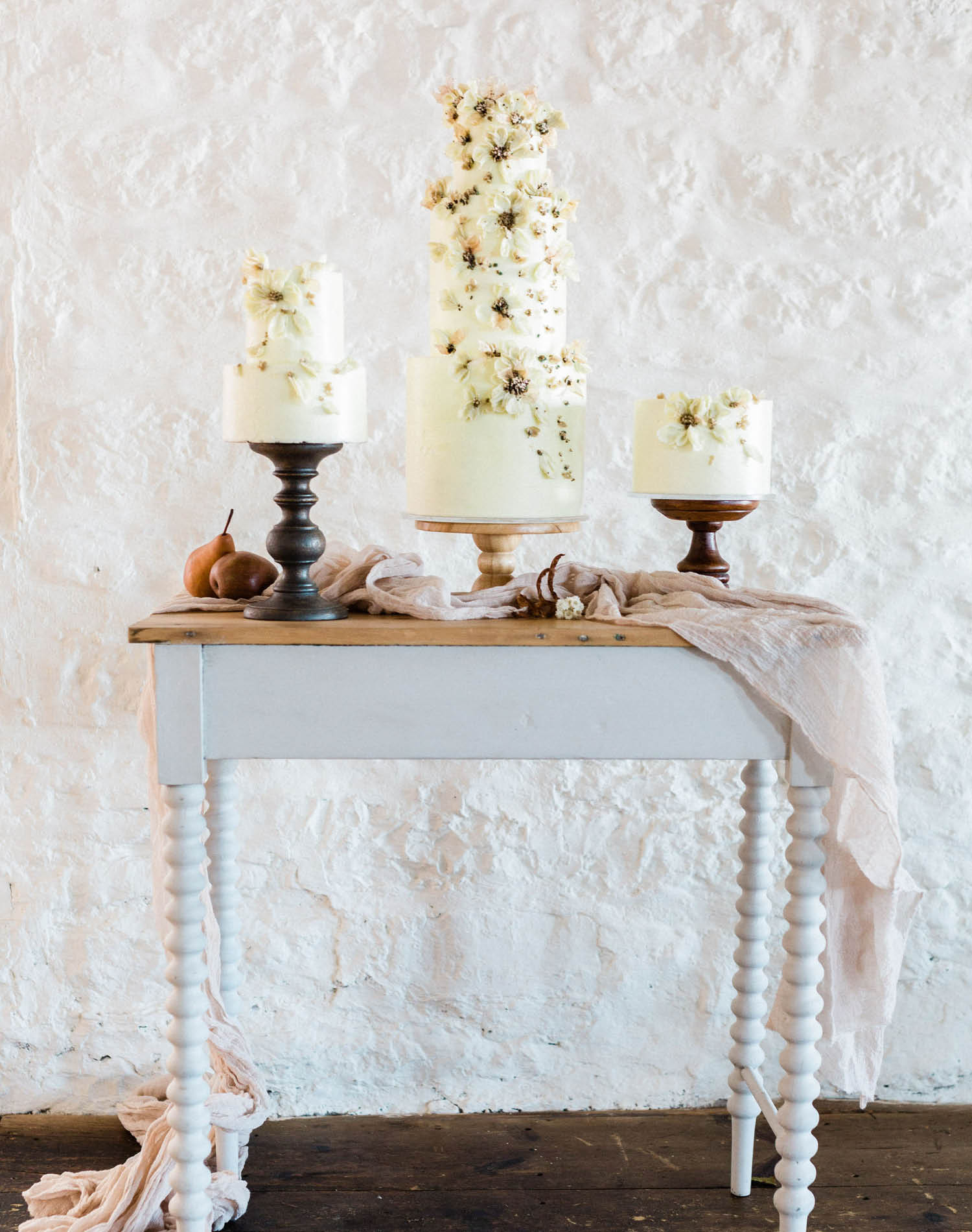 French Farm House Inspired Wedding in Quebec Auberge Saint-Antoine - Wedding Cake by Synthia Irani Design
