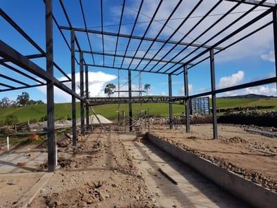 Construccion de sala de ordeno con fosa y estructura metalica