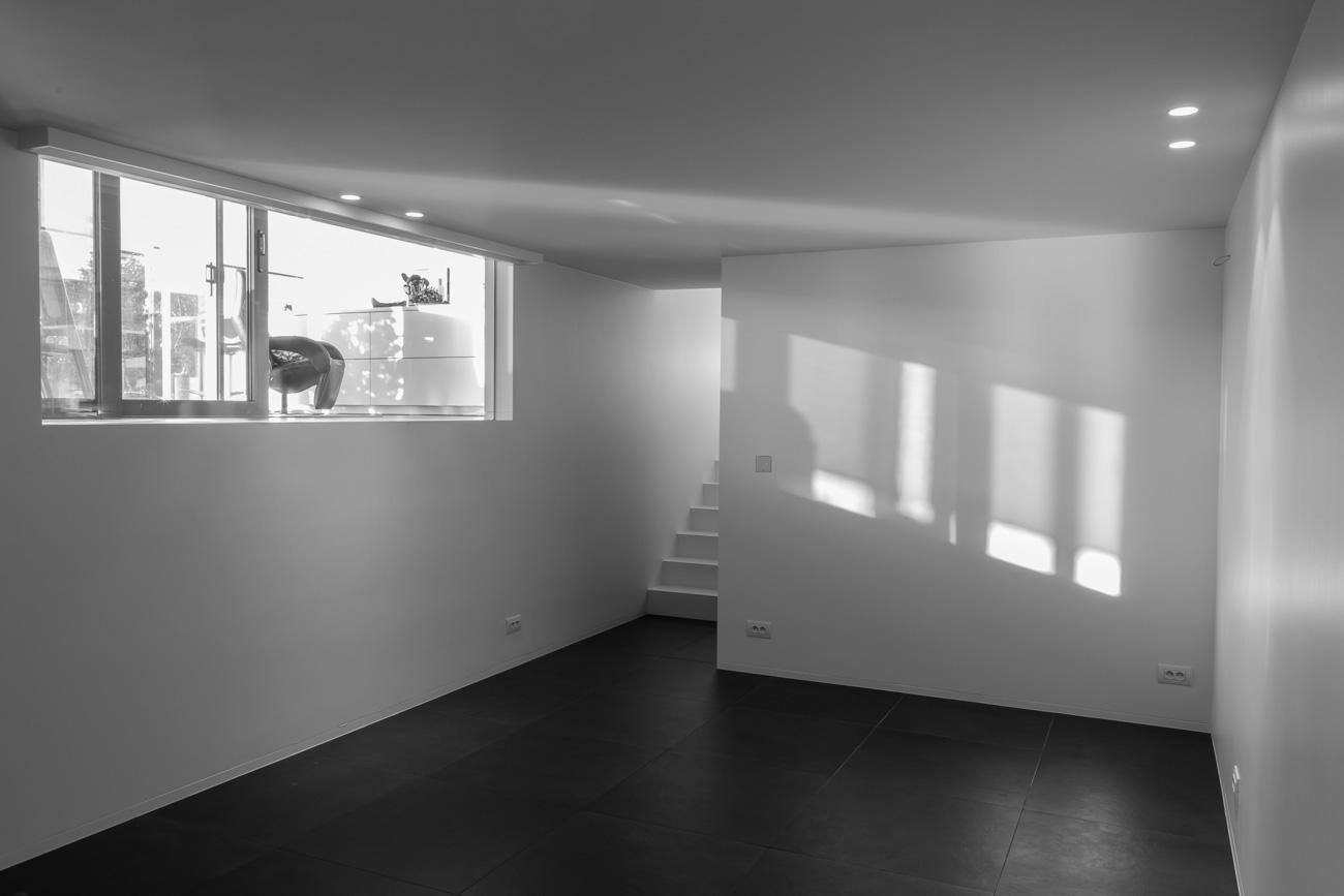 Woning in Sint-Amandsberg minimalistisch interieur zwart wit