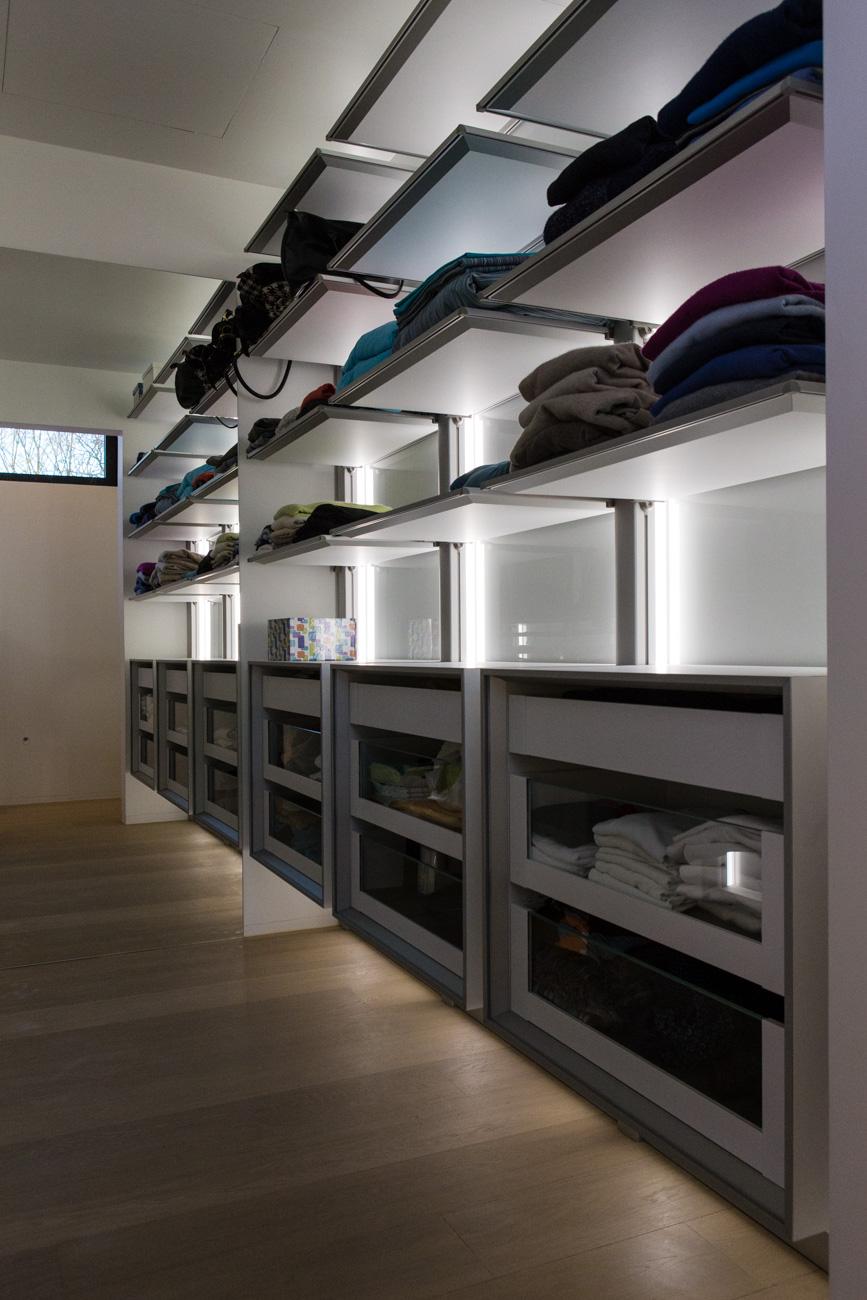 Woning in Sint-Amandsberg minimalistisch interieur dressing closet