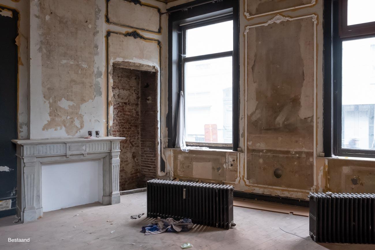 The Mansion Hotel Gent Slaapkamer met marmeren schouwen in neoclassicistische stijl bestaand