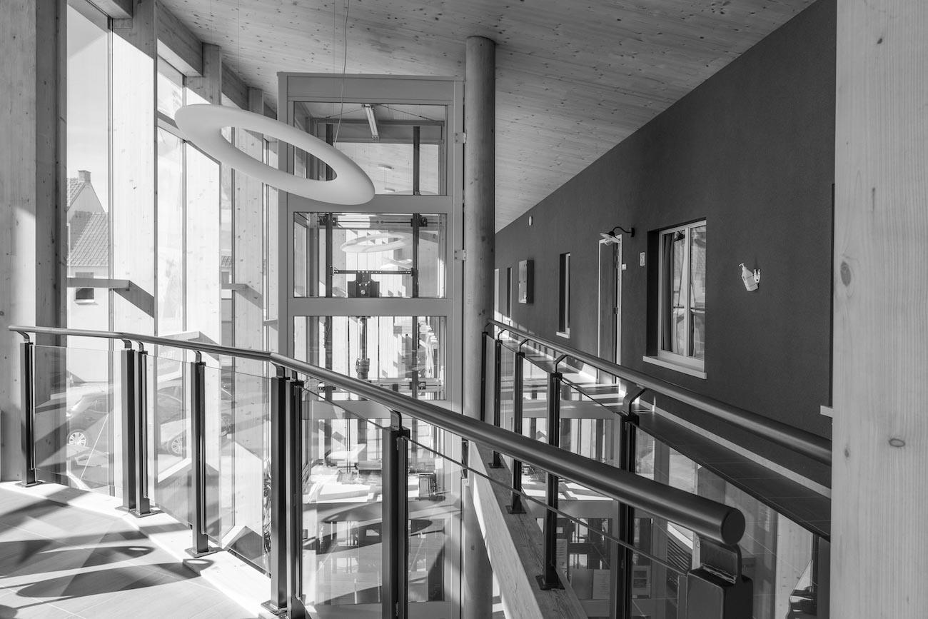 Klompenfabriek serviceflats CLT interieur overzicht zwart wit