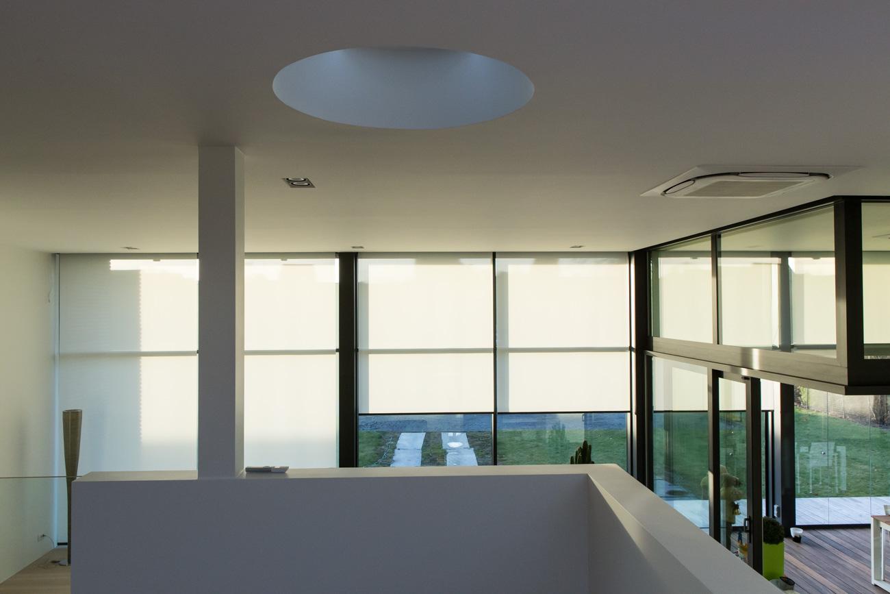 Woning in Sint-Amandsberg minimalistisch interieur vide bovenaanzicht met zonwering