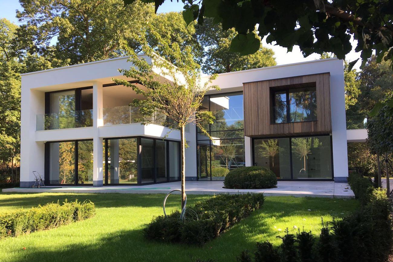 Woning Waasmunster voorgevel CLT gebouw hout en crepi gevelbekleding