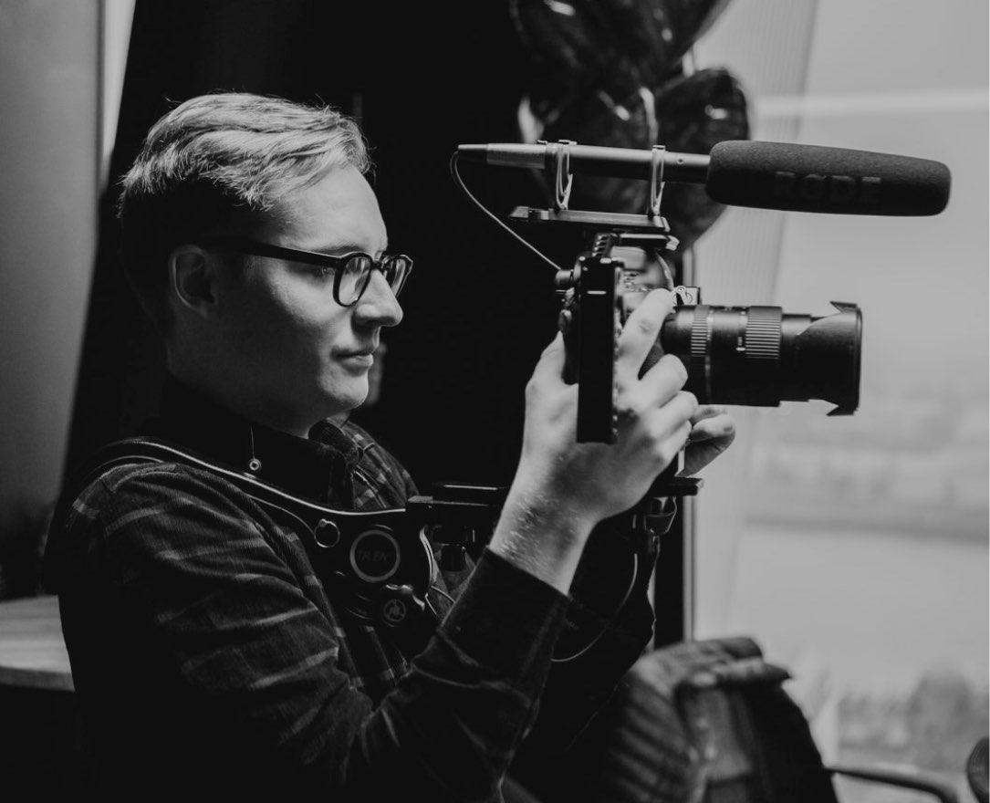 Lorenz Töpfer bei der Videoproduktion eines Aftermovies.