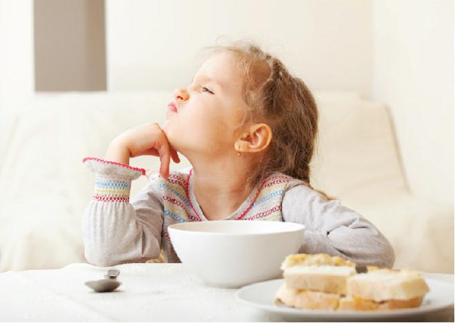 làm thế nào khi trẻ biếng ăn